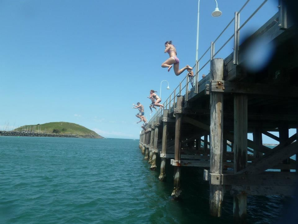 jetty jump coffs harbour jetty beach nothing but. Black Bedroom Furniture Sets. Home Design Ideas
