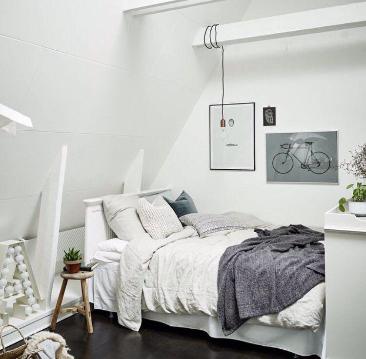 Skråvæge - Soveværelse - Hvidt