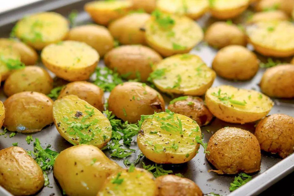 Make Crispy Roasted Baby Potatoes That Are Creamy On The Inside Recipe Roasted Baby Potatoes Baby Potato Recipes Vegan Thanksgiving Side Dishes