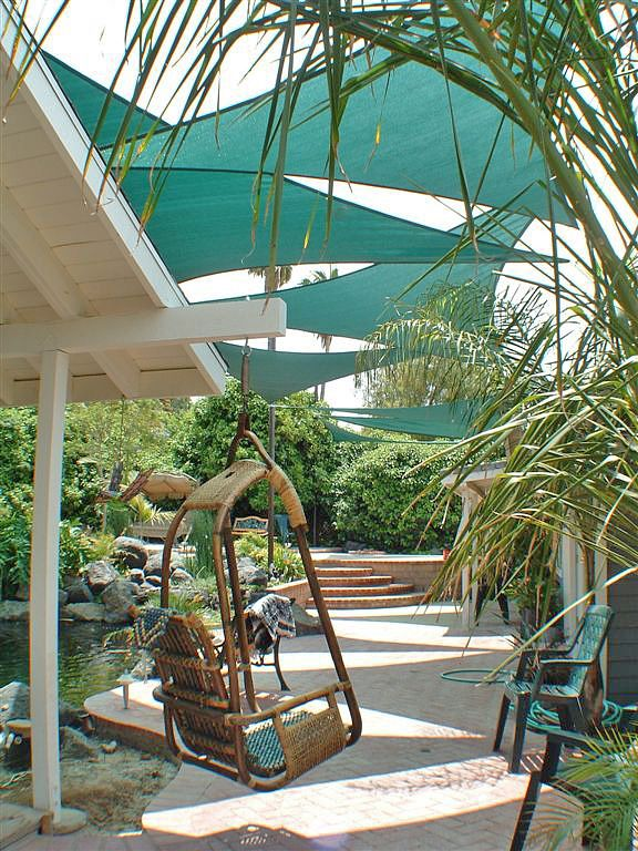 9 Clever DIY Ways for a Shady Backyard Oasis | Tervezem a ...