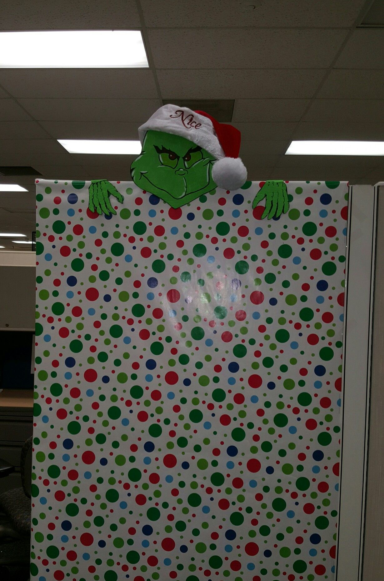 Nosey Grinch Cubicle decoration | Office space | Pinterest ...