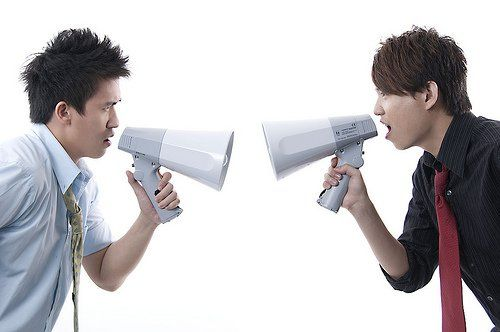 homens-megafone.jpg