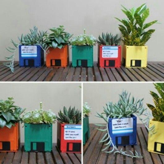 Piensa verde, #recycle #reuse #love #art #eco #upcycle #fun #cute #fashion #like #ecofriendly #design #recycledart #upcycleart #junk #handmade #saturday #style #reduce #bio #decoration #geekery #diy #shop #unique #portland #earth #odd #funny #colors