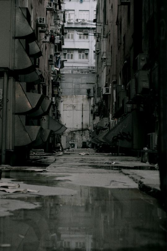 007 Archillect cyberpunk hong kong japan london