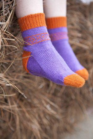 Free Knitting Pattern Children S Socks Booties Thousand Kisses