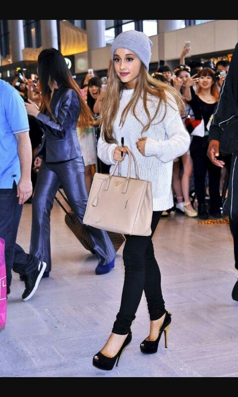 Ariana Grande can stay calm in any situation #favceleb