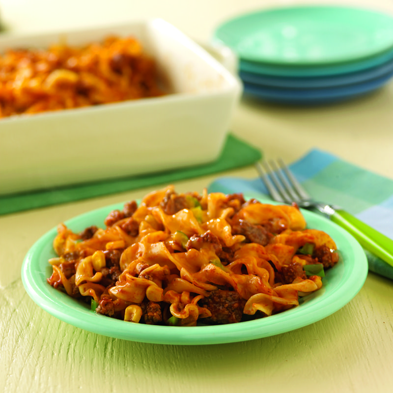 All the favorite flavors of a sloppy joe sandwich, but with egg noodles, corn and lots of cheese, too. Guaranteed to be a hit! #noodles #sloppyjoe