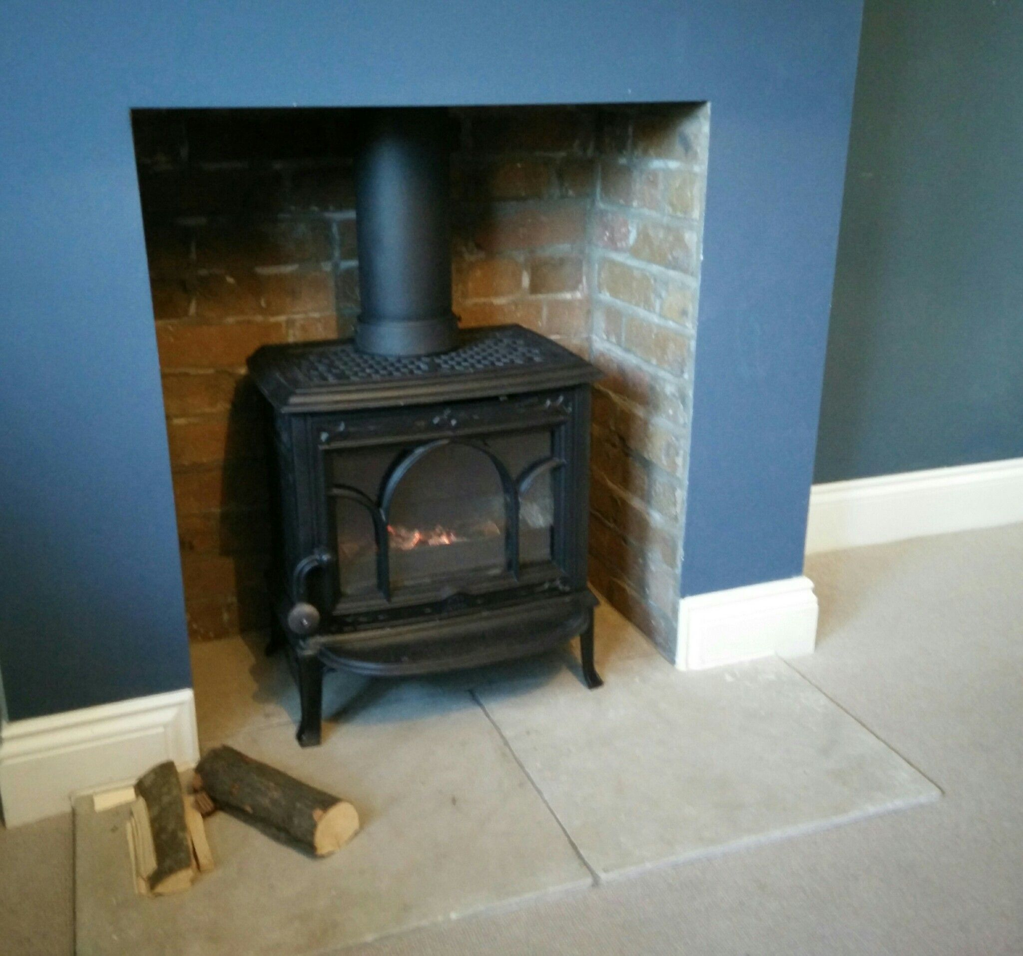 The classic Jotul F100 woodburner. This one was reconditioned and ...