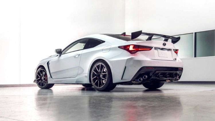 The New Lexus Rc F Track Edition Is A Stripped Down Track Only Spec Rc F That Benefits From More Aggressive Aerodynamic Elements And A Weight Reduction Regime