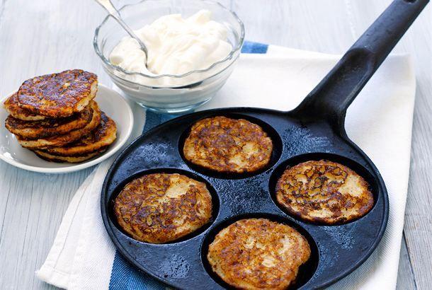 Omenaletut ✦ Vaihtelua lettuihin saat lisäämällä taikinaan esimerkiksi raastettua omenaa. Herkullista! http://www.valio.fi/reseptit/omenaletut/