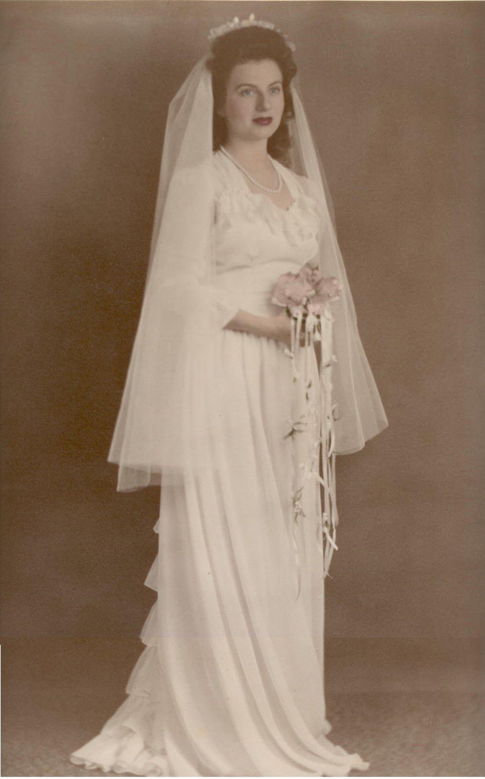 1940 wedding dress   wedding gown  Antique Weddings  Pinterest  Gowns Vintage