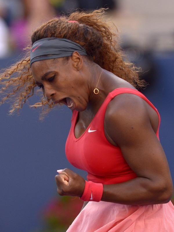 Serena Williams bejubelt einen Punktgewinn gegen Li Na im Halbfinale der US Open. (Foto: Justin Lane/dpa)