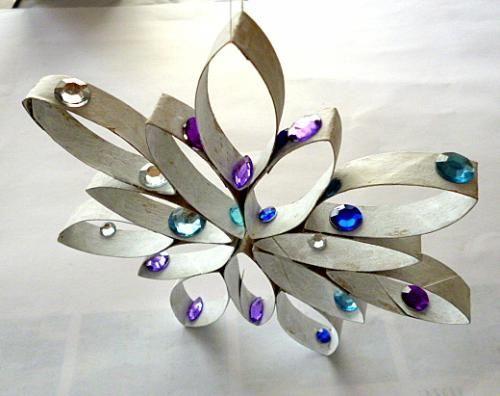 Stern Aus Küchenpapierrolle Und Perlen