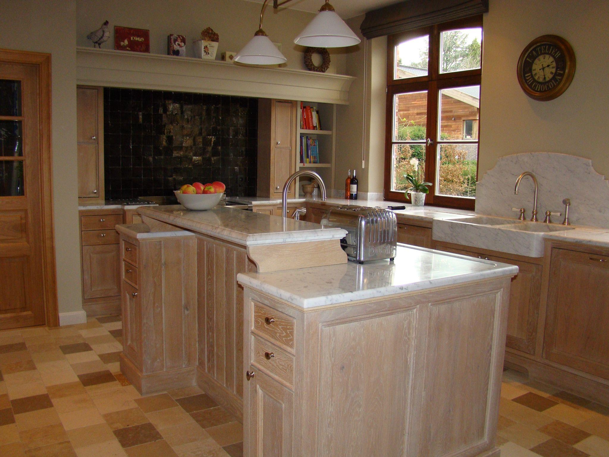 Keuken Gietvloer Marmer : Zwarte keuken met wit marmeren blad u informatie over de keuken