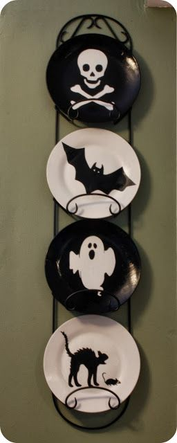 Our Secondhand House Diy Halloween Plate Decor Halloween Plates Halloween Diy Diy Holiday Decor