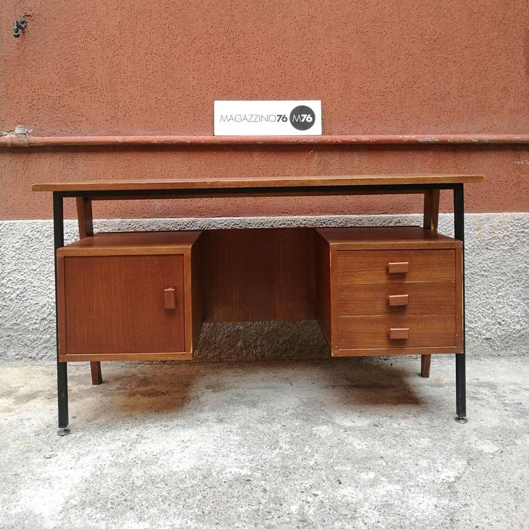 Scrivania in teak e metallo anni 60 buone condizioni generali misure 130x62x79h magazzino76 - Mobili in teak anni 60 ...