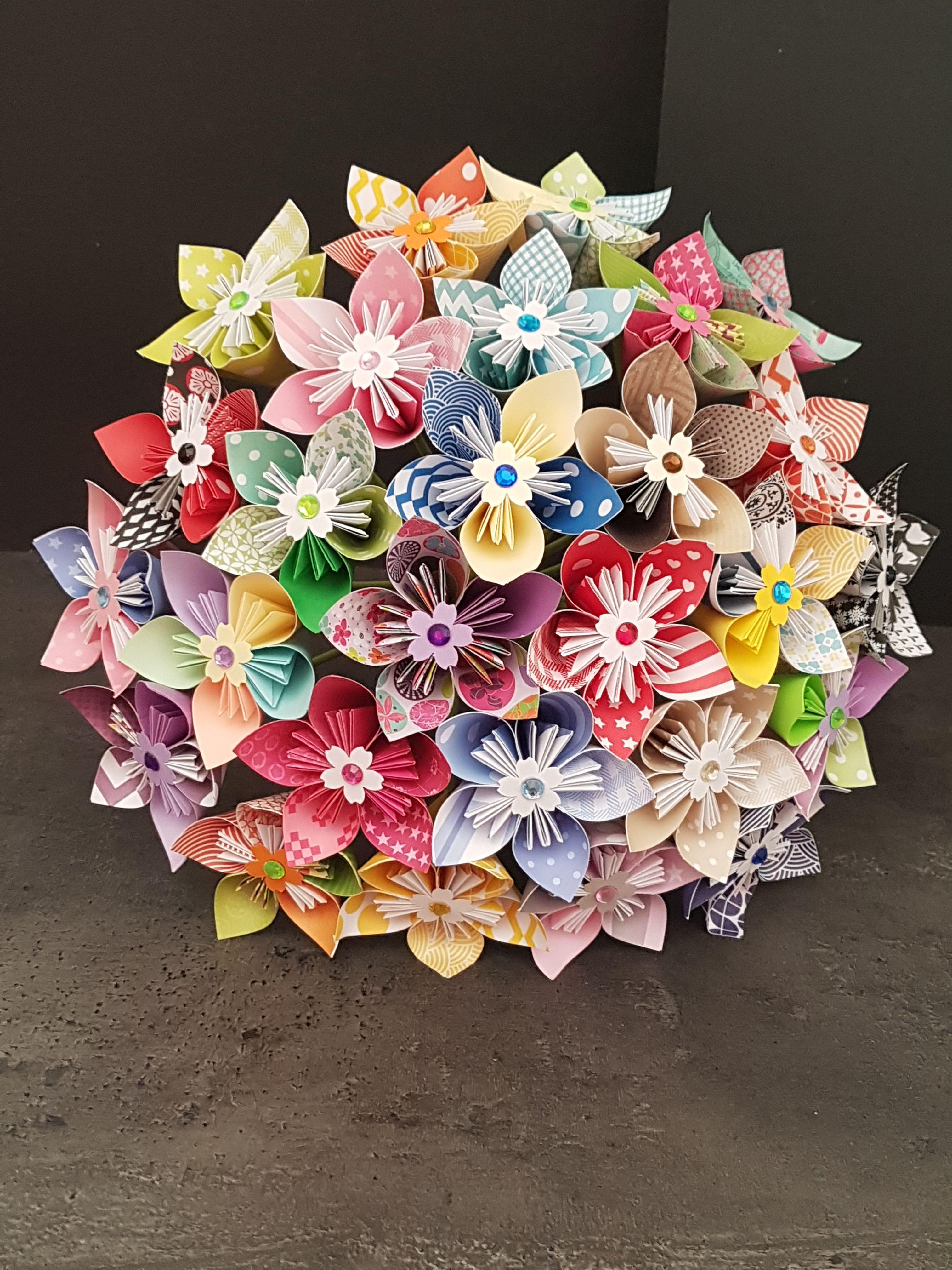 Bouquet 27 fleurs multicolore en papier www.facebook.com/mescreations65   Fleur multicolore ...