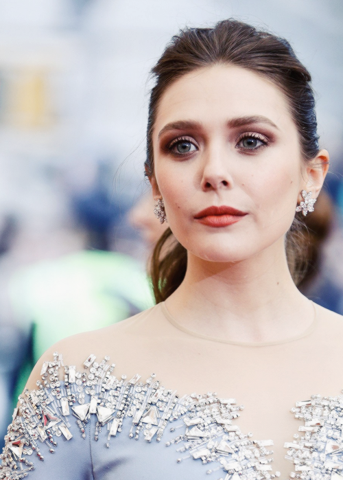 Elizabeth Olsen attends the 'Charles James: Beyond Fashion' Costume Institute Gala at the Metropolitan Museum