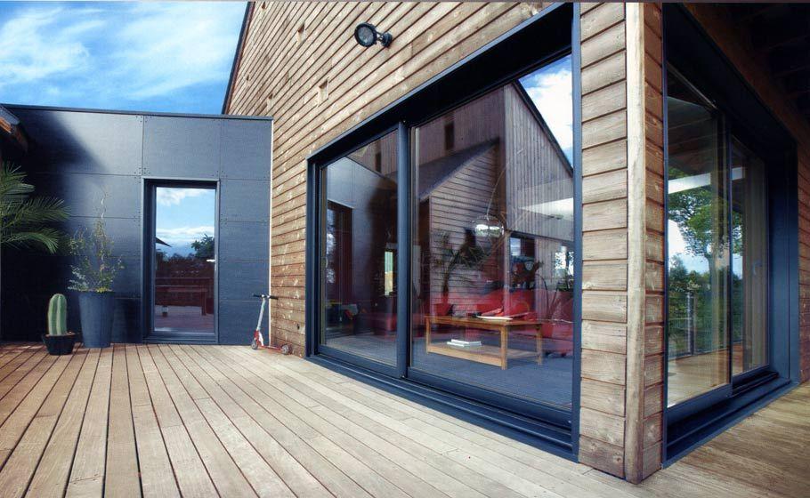 Léman Stores Thonon et Publier Haute-Savoie 74 Menuiserie PVC - maison bardage bois couleur