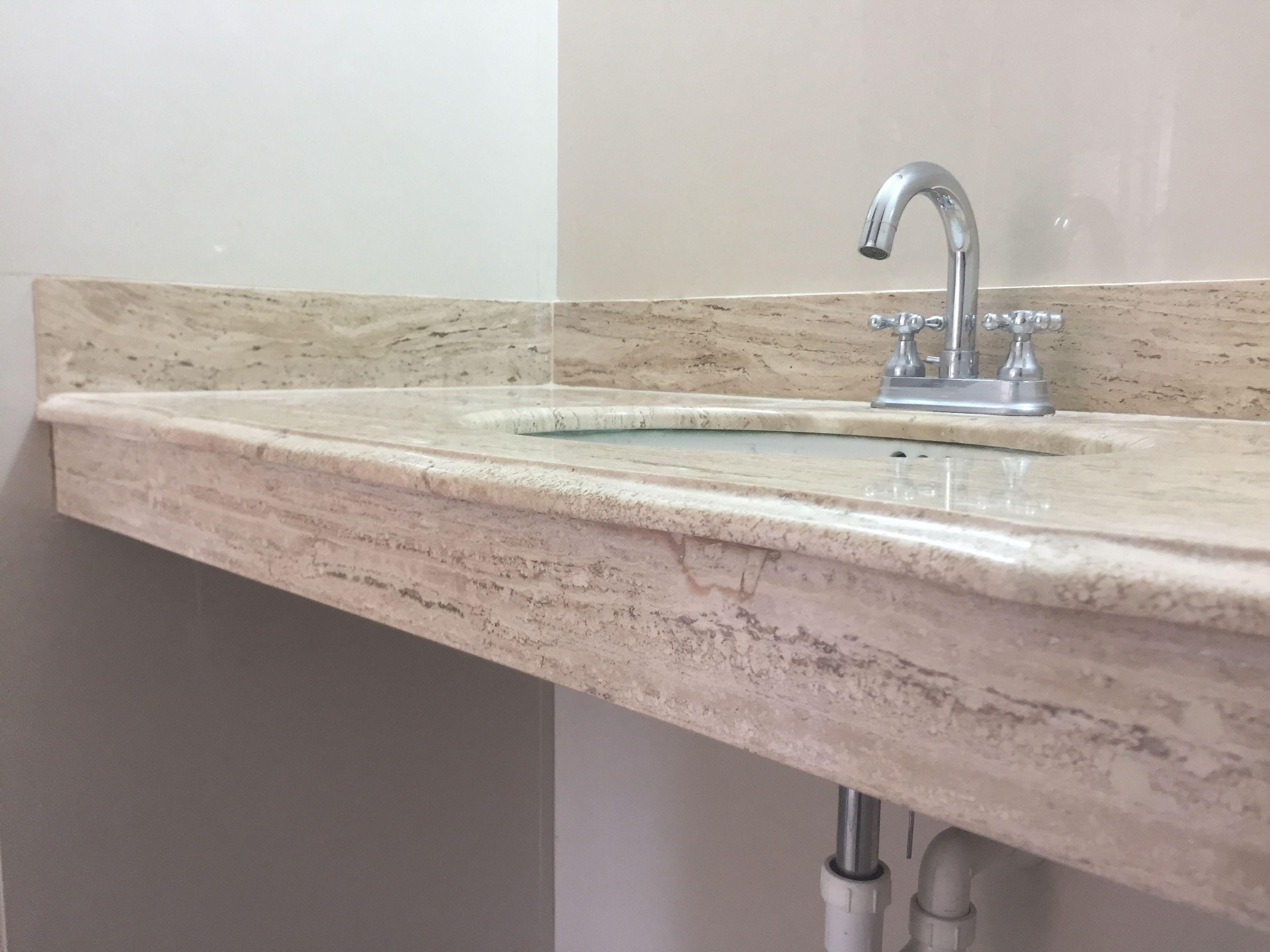 Meseta para ba o elaborada en m rmol travertino puebla for Pisos de marmol para bano