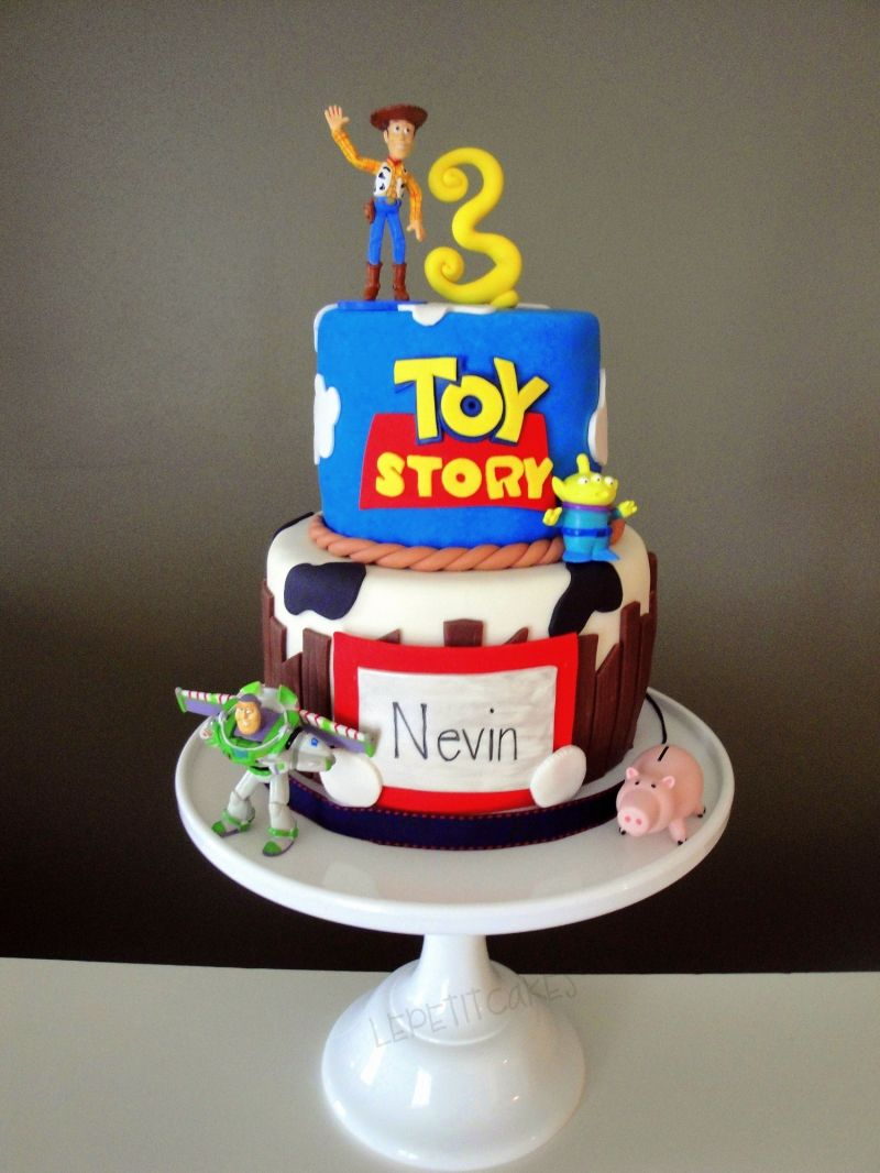 Love The Buzz And Woody Cakewonder How Much Something Like This