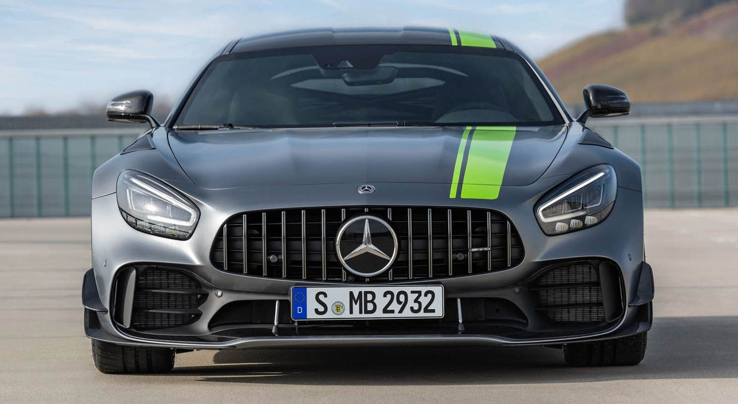Pin By Cokitobikes On Tuning Car Mercedes Amg Gt R New Mercedes