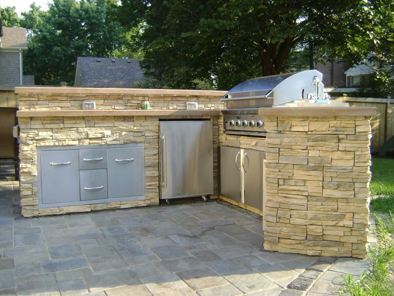 To Build Outdoor Kitchen How To Build A Bbq Grilling Station Or Grill Surround Diy And
