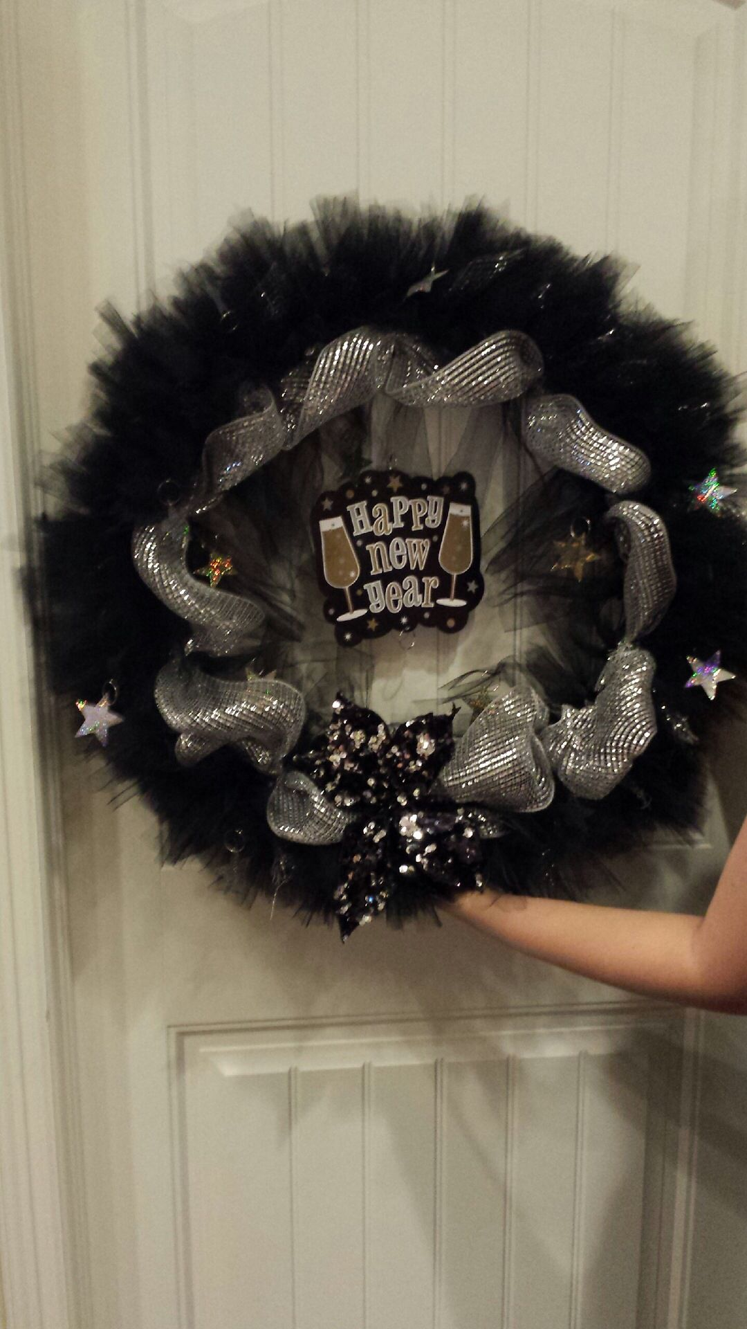 DIY. New Years. Holidays. Wreath. Black silver gold. 2014