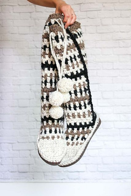 Easy Taos Slipper Boots With Flip Flop Soles Free Crochet