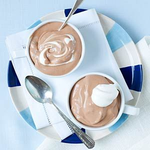 4 ingredient Chocolate Mousse - only 91 calories per serving!