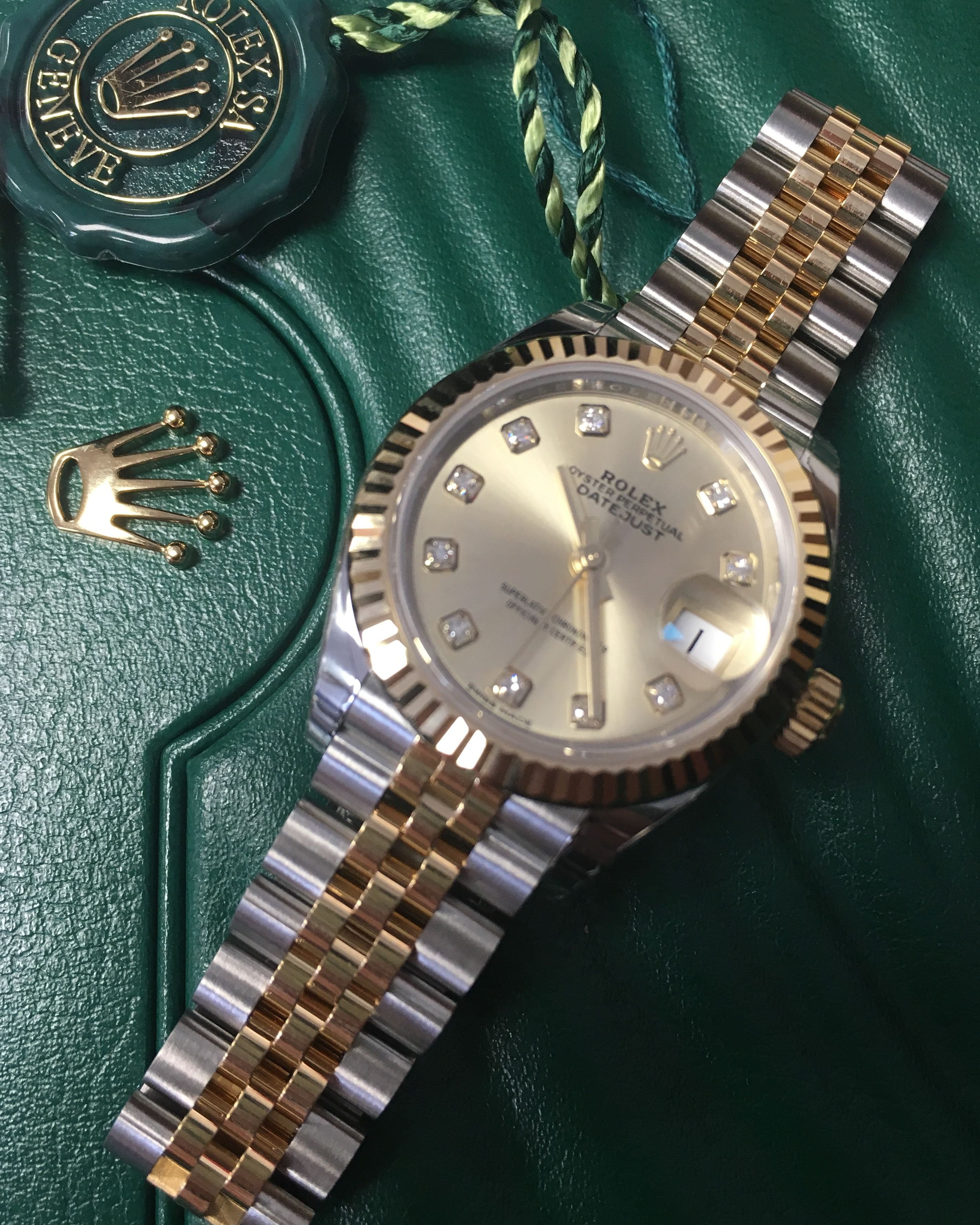8174673d217 Rolex Lady-Datejust 28 Steel & Gold Champagne Diamond Dial 279173 ...