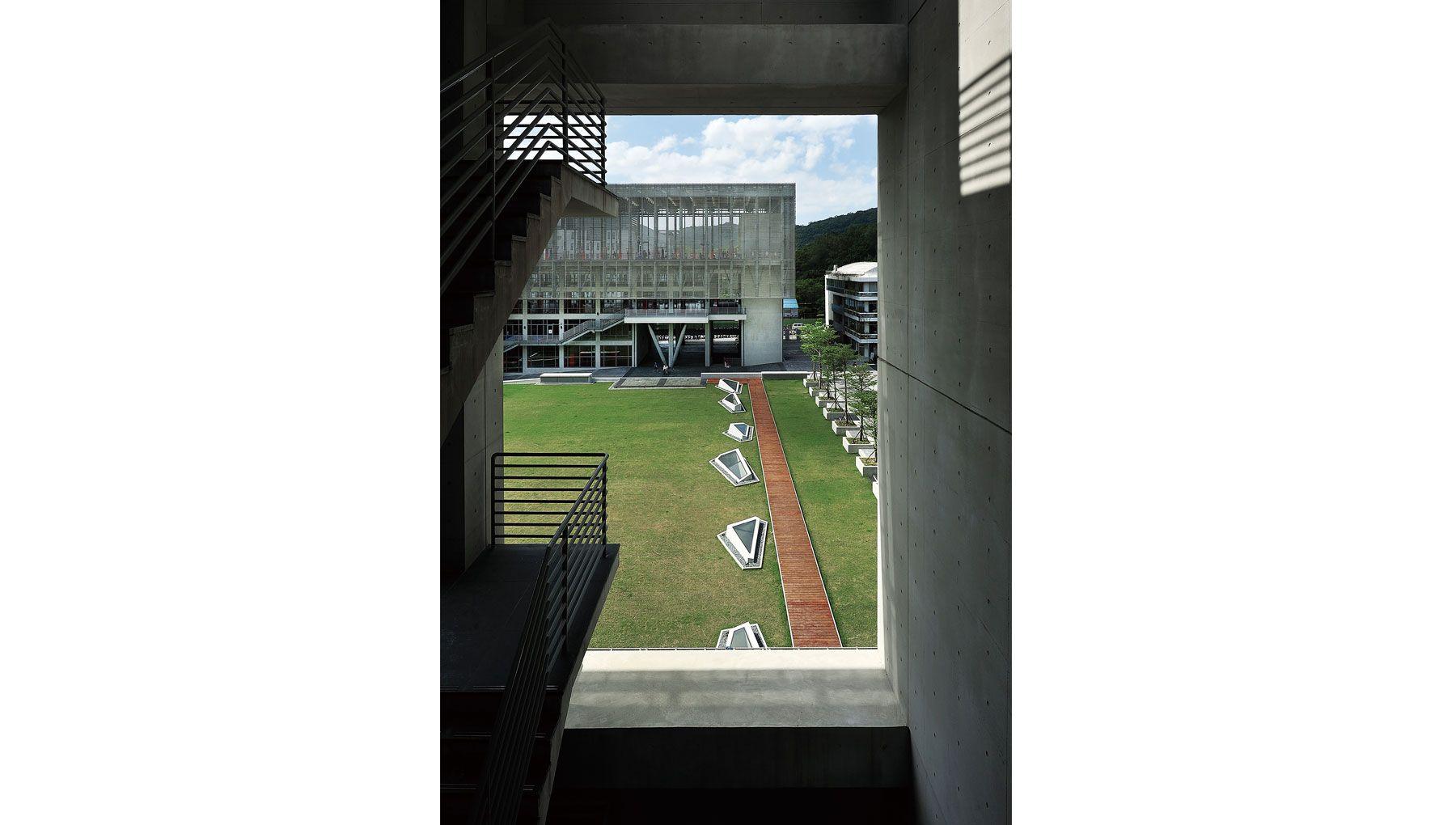 KRISYAO|ARTECH | Shih Chien University Gymnasium and Library