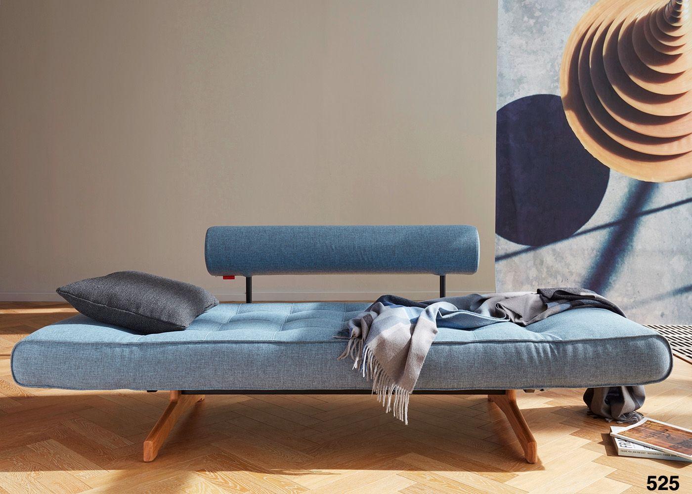 Canape lit design scandinave avec pietement en bois de chene ...