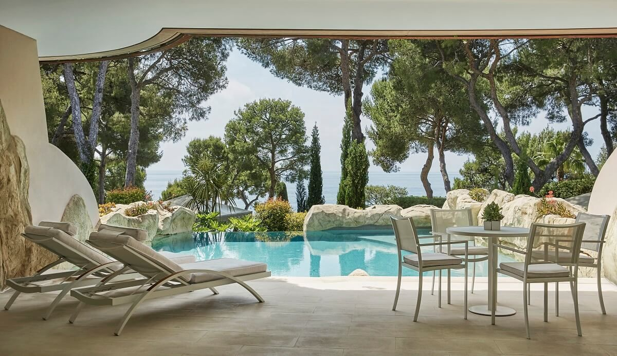 Suite avec piscine priv e au grand h tel du cap ferrat for Suite avec jacuzzi et piscine privee