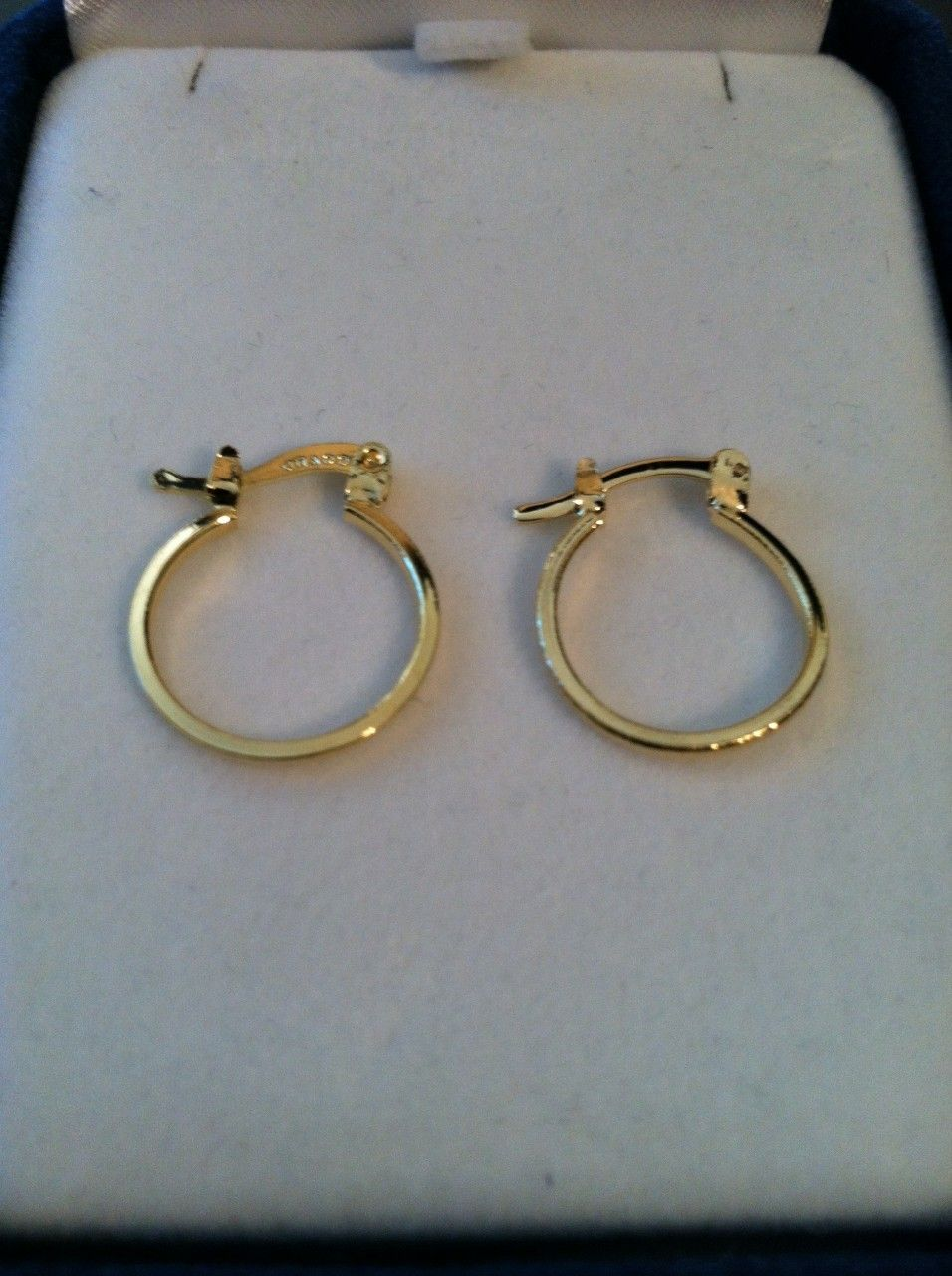 GotFreeJewelry.Com - All Gold Hoops, $7.99 (http://www.gotfreejewelry.com/all-gold-hoops/)