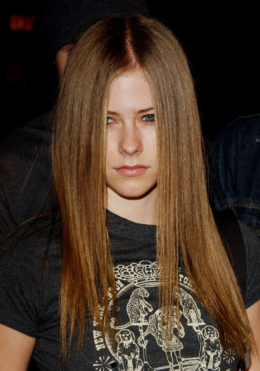 And when she truly perfected the emo hair over the eye look in