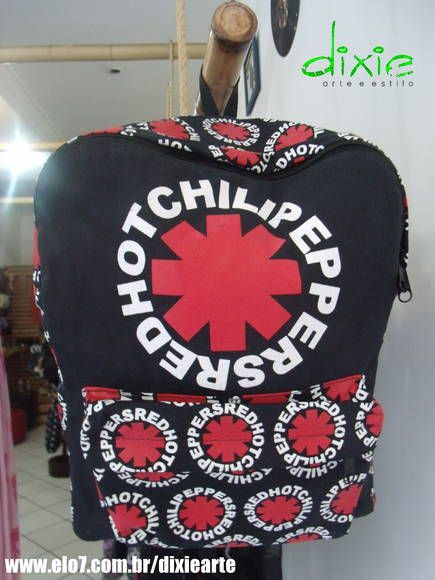 Mochila Red Hot Chilli Peppers R$ 95,00