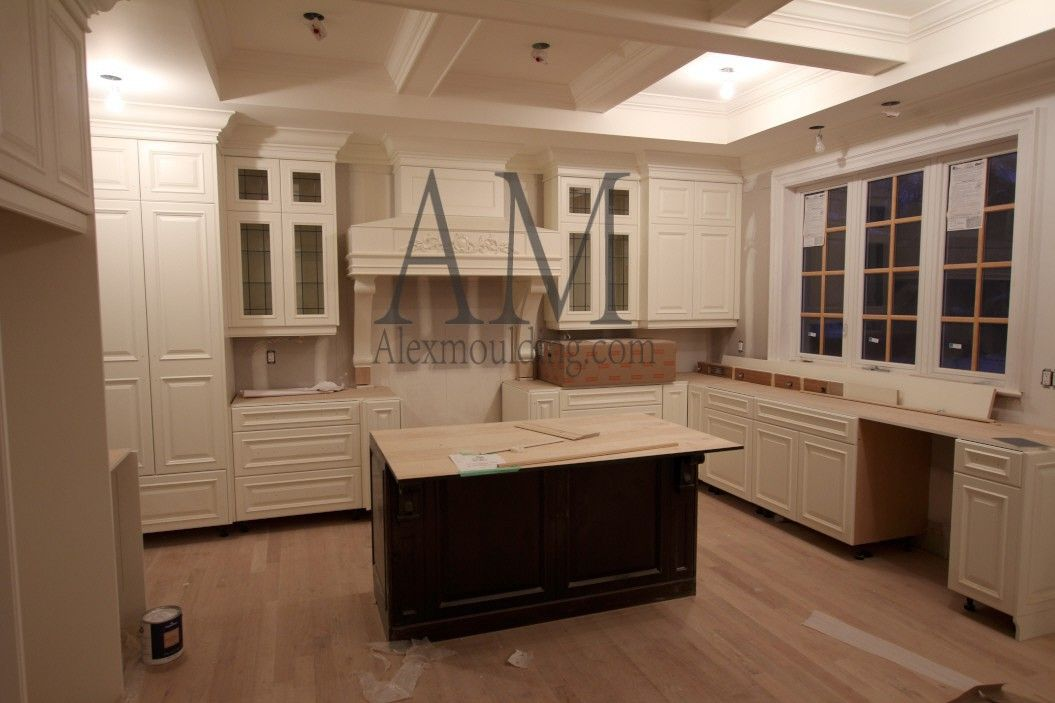 Brown Classic Kitchen Cabinets