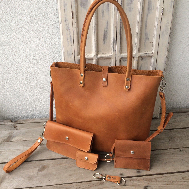 fe3bff18d20 Classy is het juiste woord...leren laptoptas Silkeborg van DBramante1928.  #classy #laptopbag #luxury #leather #dbramante1928 #dbramante …