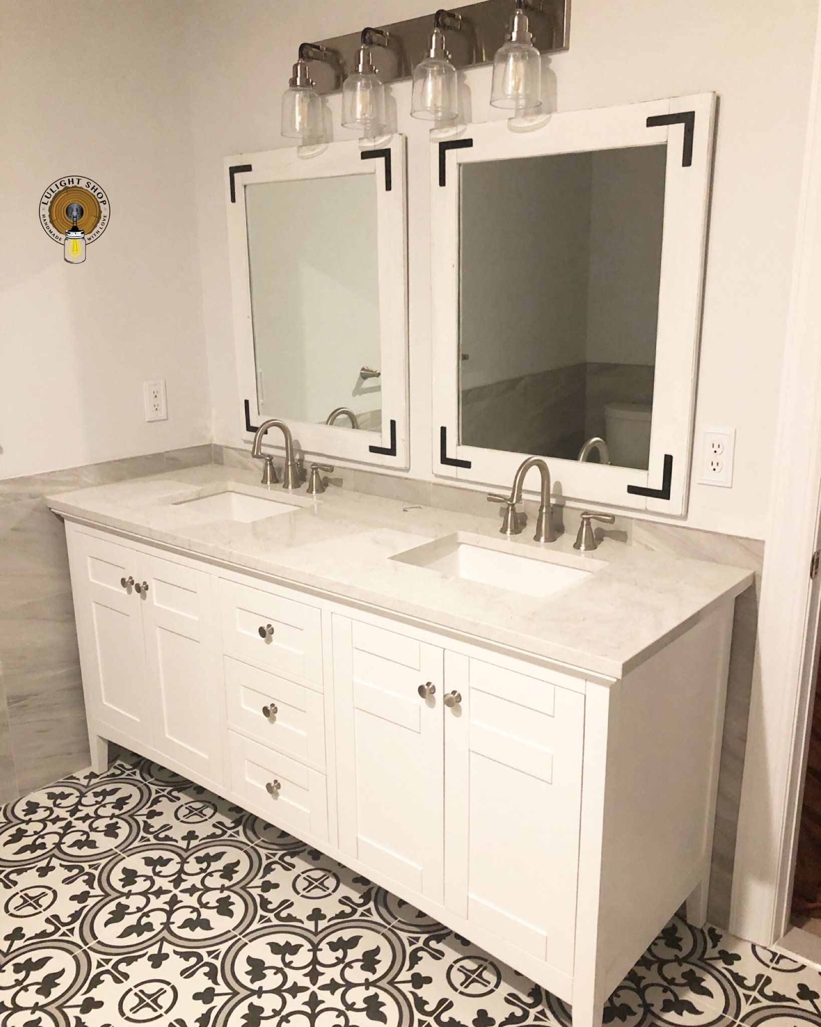 WHITEWASH Mirror With Black Brackets, Wood Frame Mirror