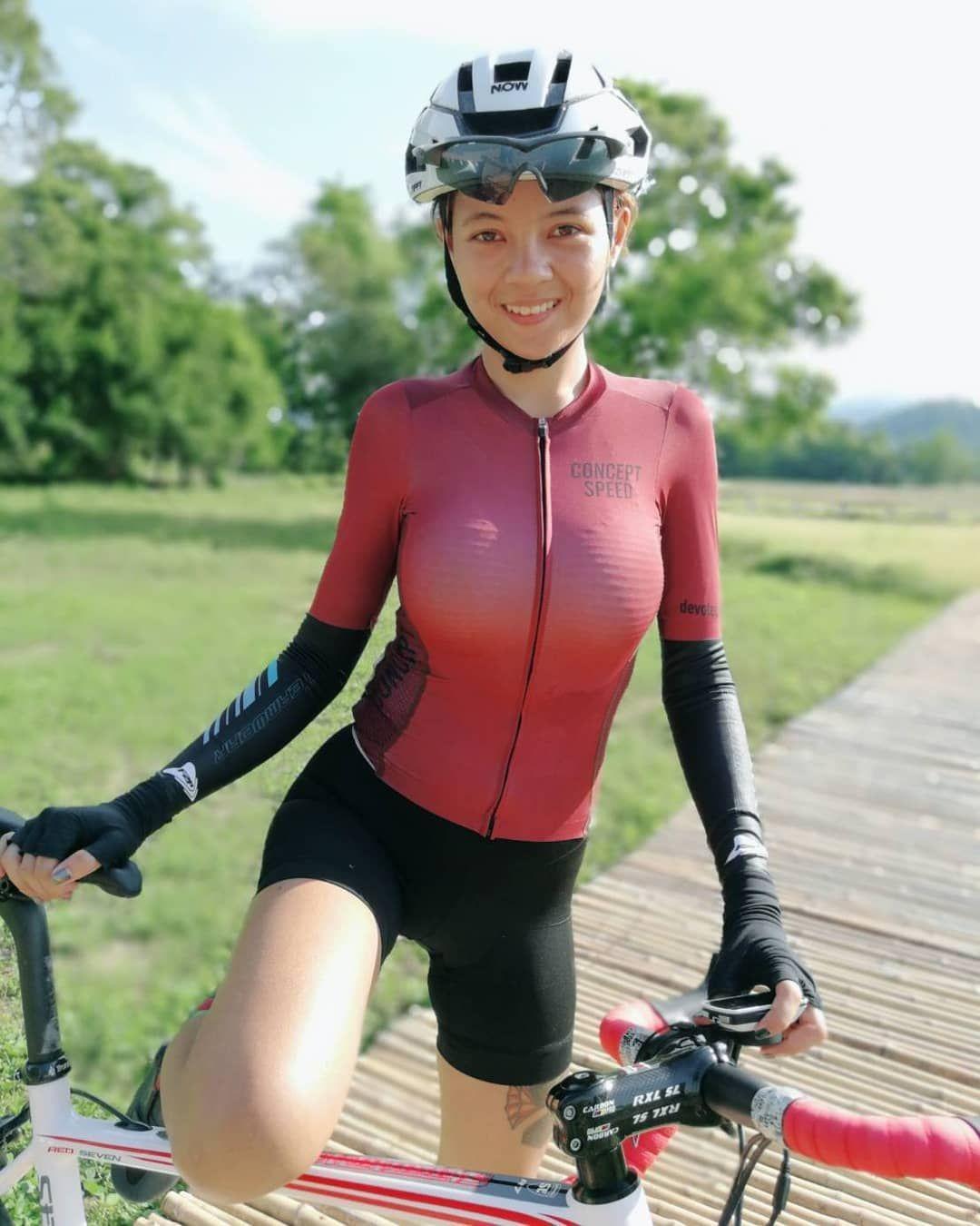 Sexy Radlerin