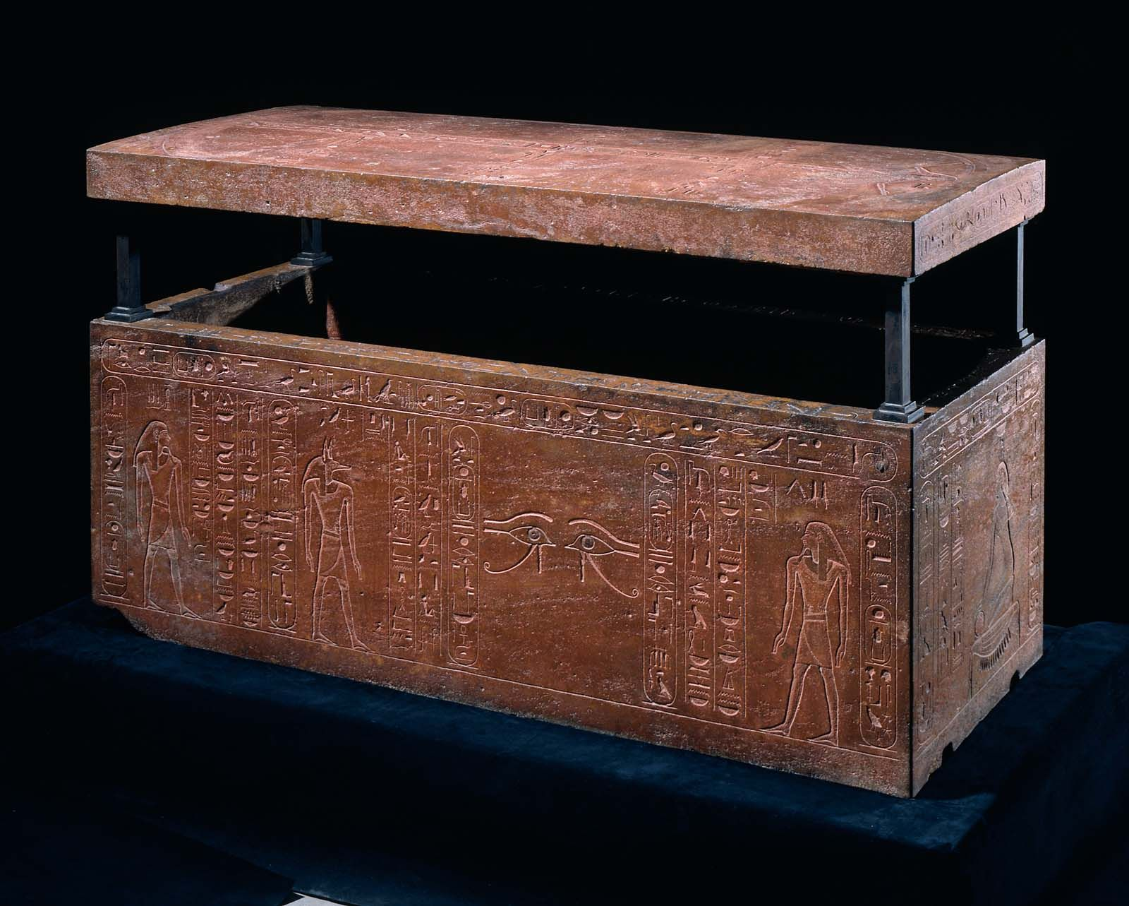 sarcophagus of queen hatshepsut recut for her father thutmose i box xviiith dynasty