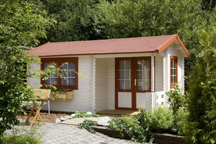 Gartenhaus WOLFF Malaga 40 Holz-Gartenhaus mit Terrasse - Seitlicher Eingang mit kleiner Terrasse