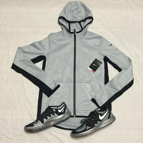 Nike hoodie women S-M-L Size: S-M-L •All offers are welcome •Brand new •Authentic Nike Tops Sweatshirts & Hoodies