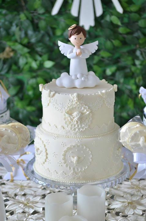 Bolo de batizado no tema anjos | Baptism | Cake, Communion cakes