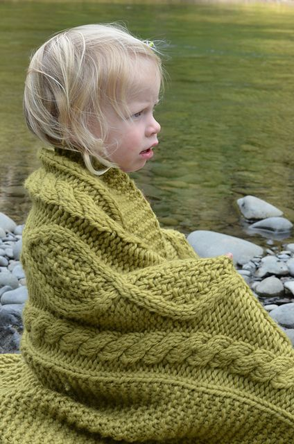 Ravelry: Project Gallery for Bonfire pattern by tincanknits