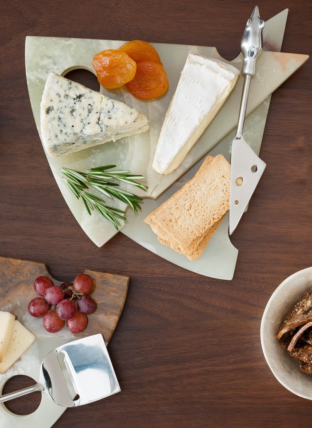 Fair trade onyx cheese board gift ideas for foodies