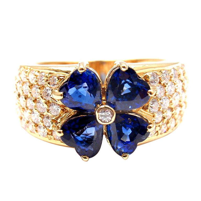 Van Cleef & Arpels Sapphire Diamond Yellow Gold Flower Ring
