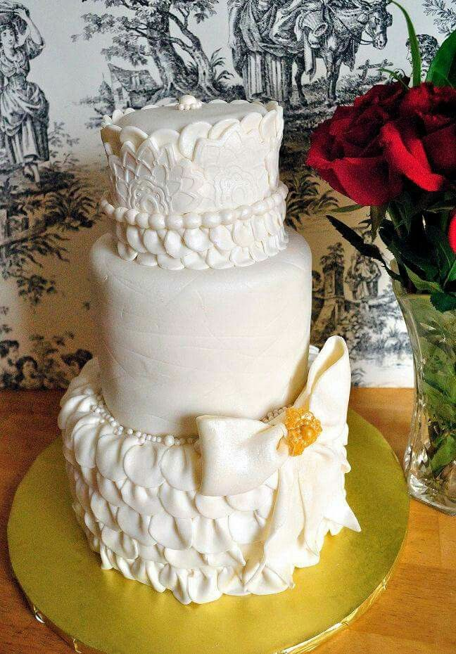 wedding cakes northern new jersey%0A Three tier ruffles and bows wedding cake