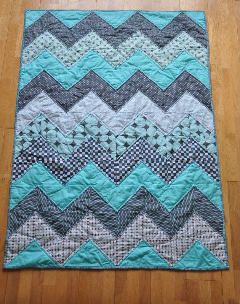 20 Baby Quilts for Beginners   Chevron quilt tutorials, Chevron ... : quilt tutorials patterns - Adamdwight.com